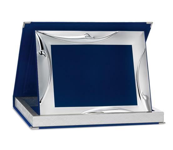 Astucci per targhe in velluto blu con profilo Siver Plated AS 12 P2