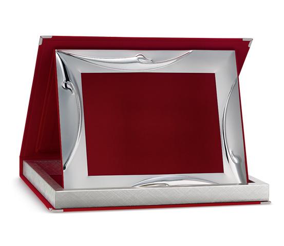 Astucci per targhe in velluto rosso con profilo Siver Plated AS 12R P2